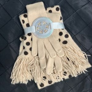 Black and Cream Scarf and Glove Set